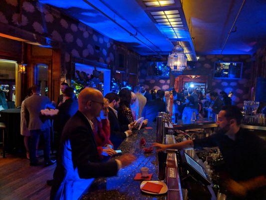 bar uplighting 72andsunny