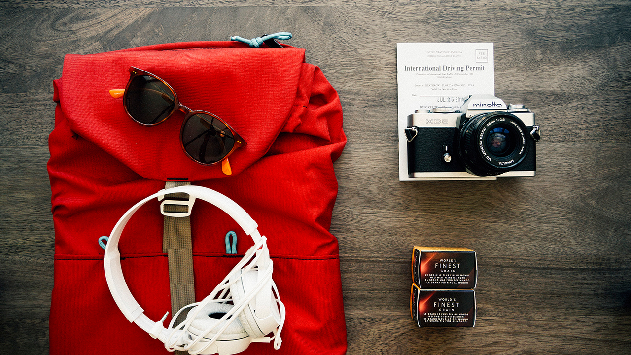 clothes-travel-voyage-backpack.jpg