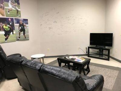 Elite Players Lounge.JPG