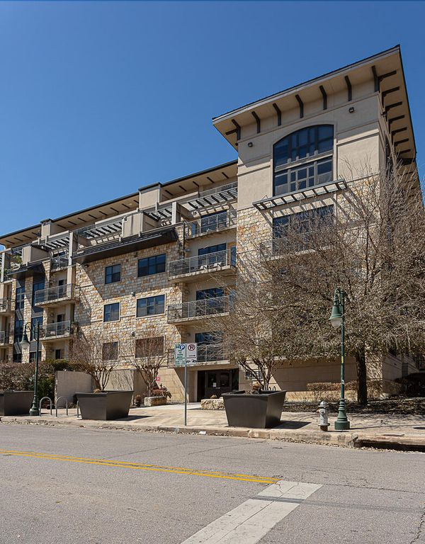 1812 West Ave 209 Austin TX-large-009-017-exterior2-781x1000-72dpi.jpg
