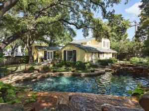 4 Green Ln Austin TX 78703 USA-MLS_Size-002-pool11-1024x768-72dpi.jpg