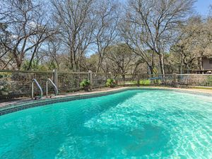 805 Single Oak Cove Austin TX-002-025-pool-MLS_Size.jpg
