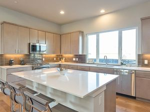 2406 Sorin St Austin TX 78723-MLS_Size-003-12-kitchen-1024x768-72dpi.jpg