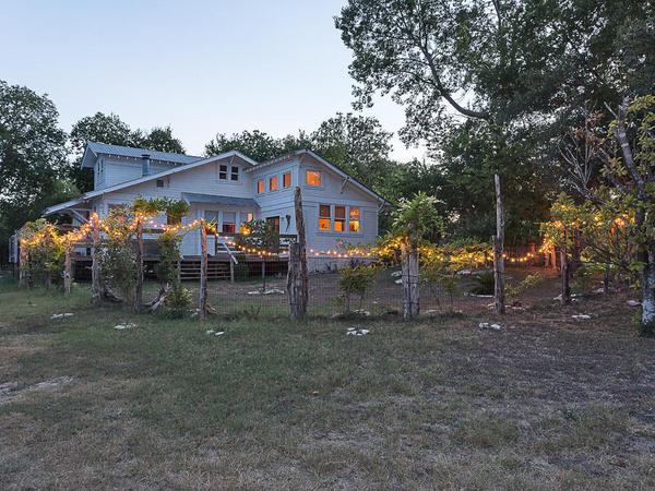 9305 Happy Trail Austin TX-MLS_Size-015-exterior21-1024x768-72dpi.jpg