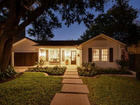 2206 Townes Ln-MLS_Size-011-6-Exterior Front 011-1024x768-72dpi - Copy.jpg
