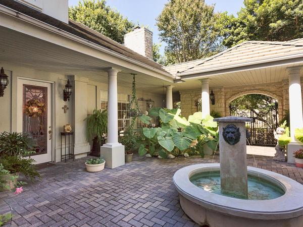 1708 Rockmoor Austin TX 78703-MLS_Size-033-courtyard-1024x768-72dpi.jpg