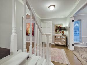 006_Foyer2.jpg