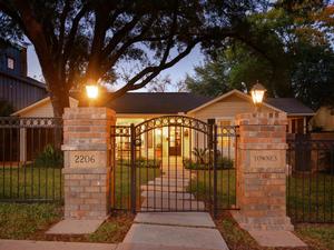 2206 Townes Ln-MLS_Size-009-16-Exterior Front 009-1024x768-72dpi - Copy - Copy.jpg