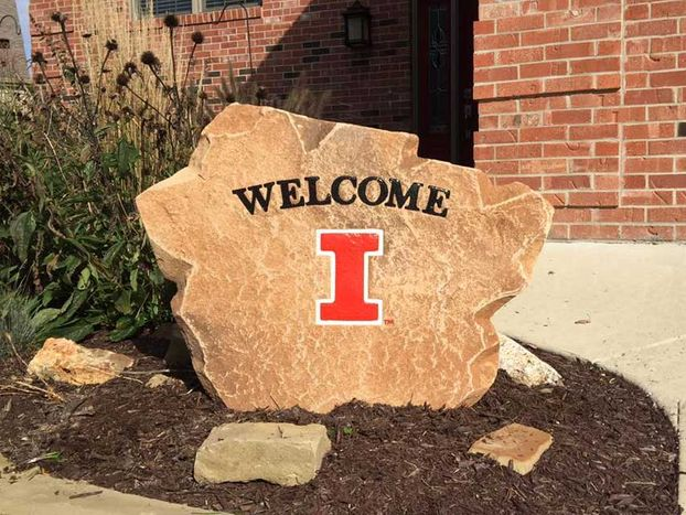 An image of a custom welcome boulder.