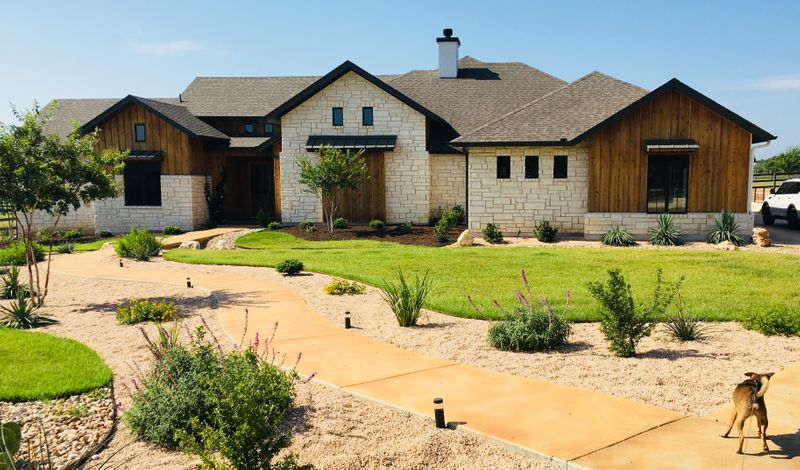 Stone Gravel Grass More Daniel Stone And Landscaping Supplies Austin Tx