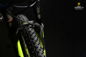 Superfly 9.8 tire