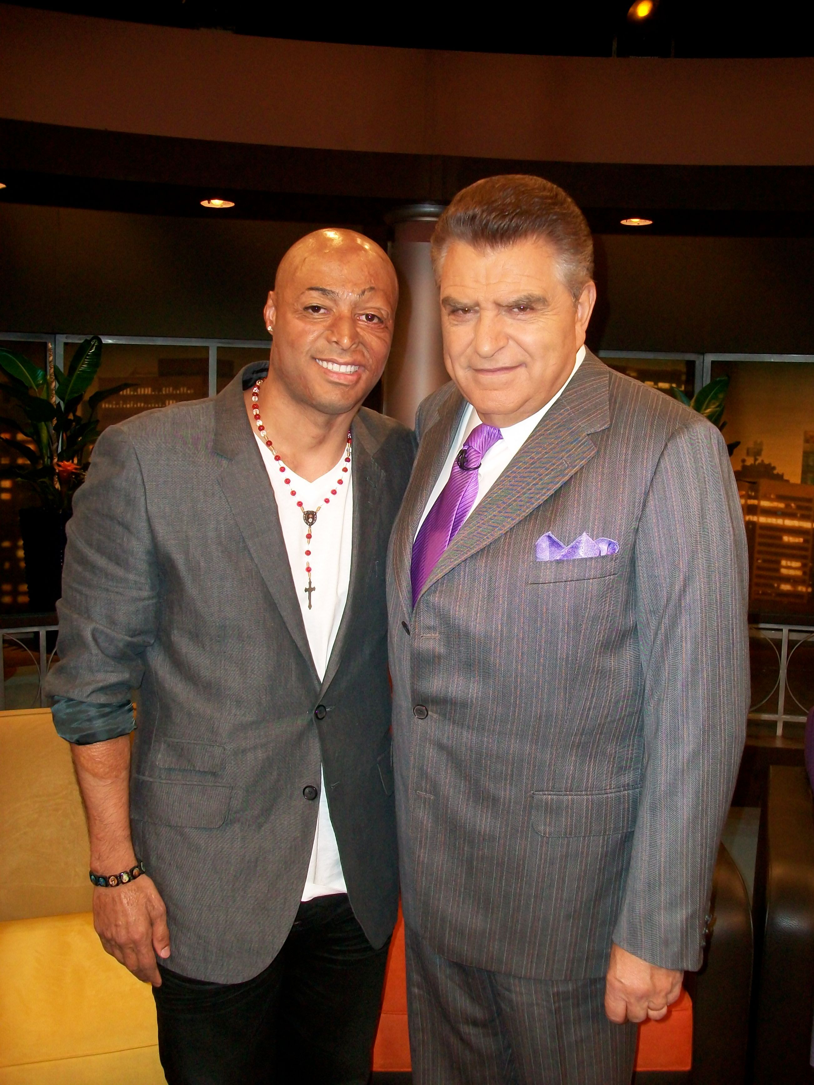 Don Francisco y JR Martienz.jpg