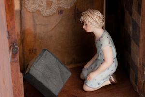 becki-smith-kneeling-woman-detail.jpg
