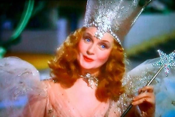 a-theory-to-blow-you-back-to-kansas-7-reasons-the-true-villain-of-the-wizard-of-oz-was-glinda-the-good-witch.jpg