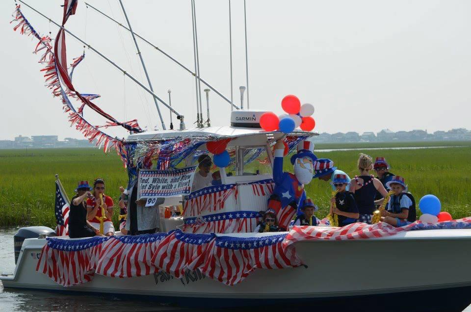 Murrells-Inlet-boat-parade.jpg