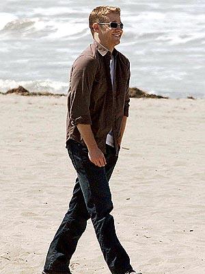 benjamin mckenzie walking beach.jpg