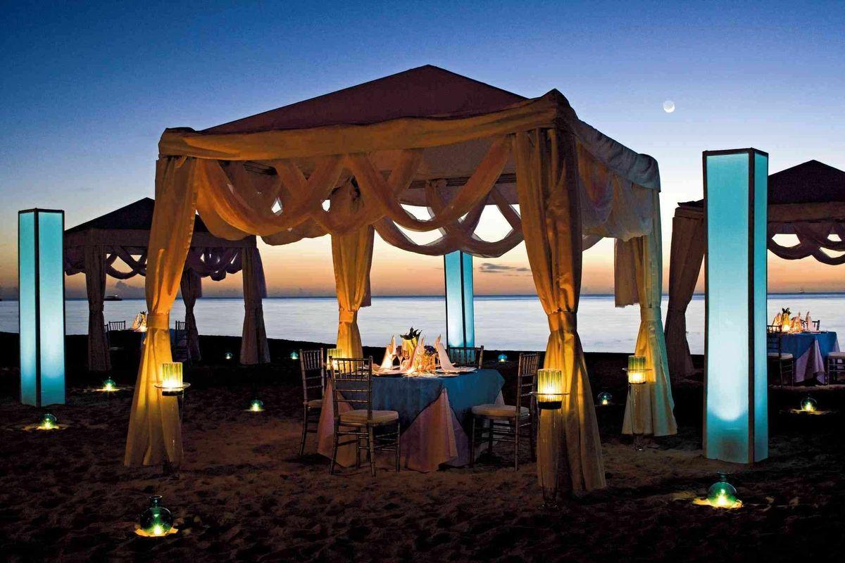 grand cayman dinner tent (1).jpg