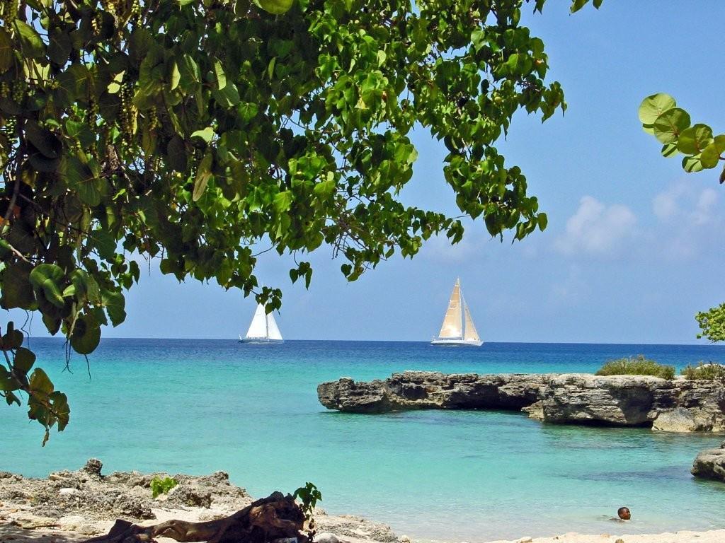 cayman. boat beach (1).jpg