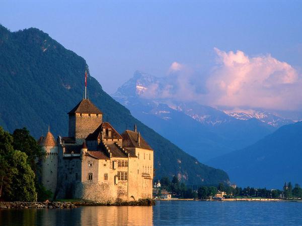 clinique la prairie chateau_de_chillon_castle.jpg
