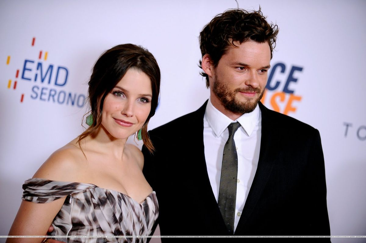 austin nichols.sofia bush red carpet.jpg