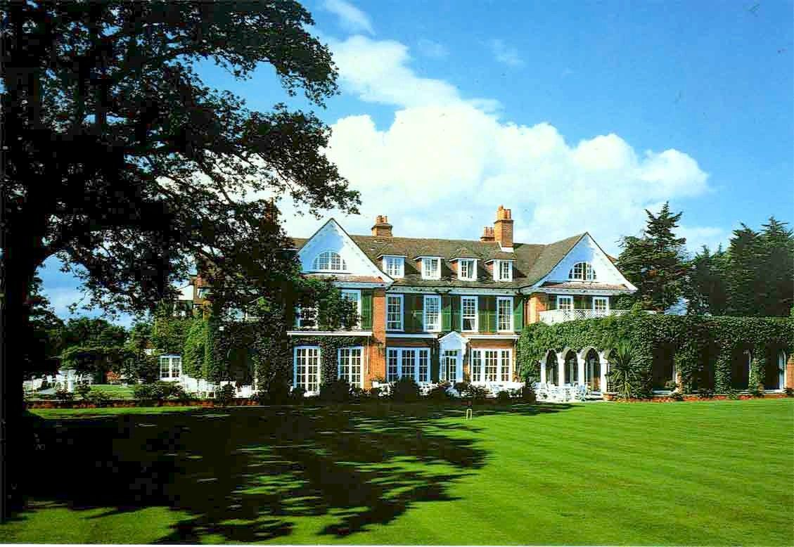 chewton glen ext.jpg