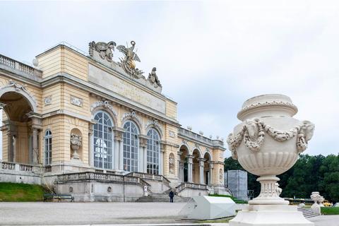 Schonbrunn Palace, Vienna.png