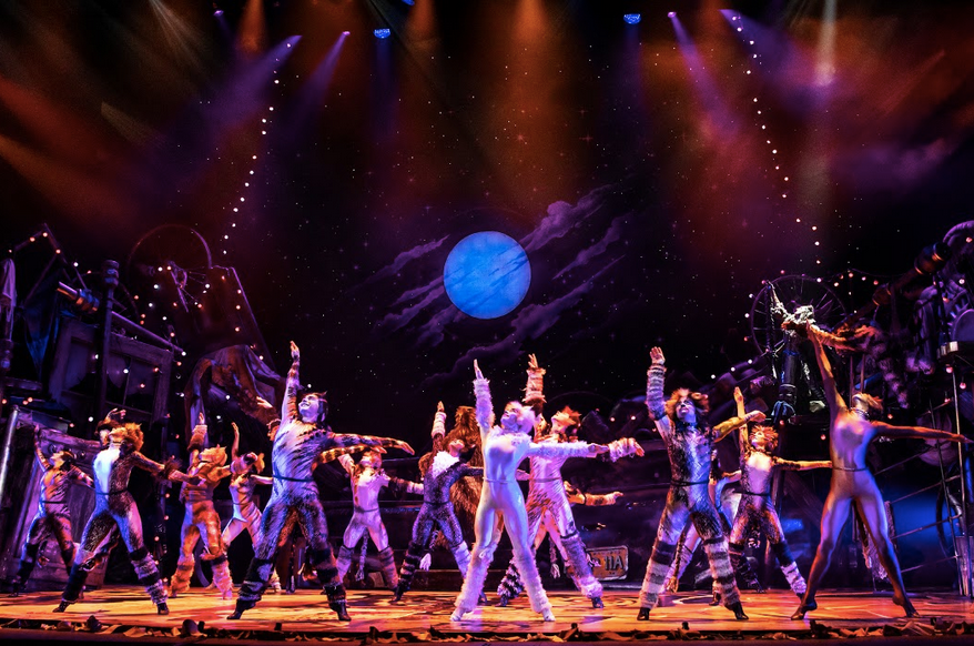 North American Tour of CATS. Photo by Matthew Murphy.png