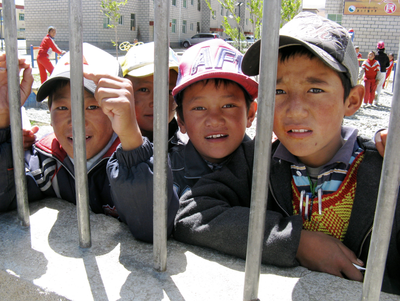 Schoolboys_in_Tibet.png