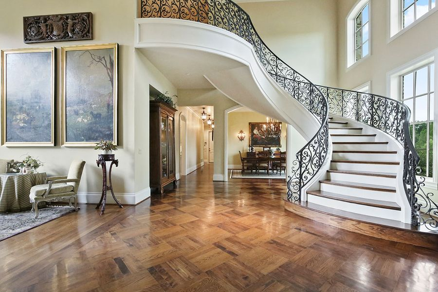 Grand-Entry-with-Sweeping-Iron-Staircase.jpg