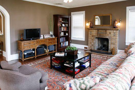 family_room_17_13903219539_o.jpg