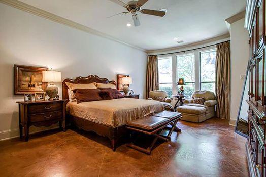 master-bedroom-2_13903211888_o.jpg