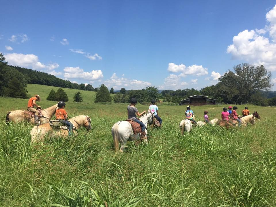 Horseback-riding-photo-Seq-Valley.jpg