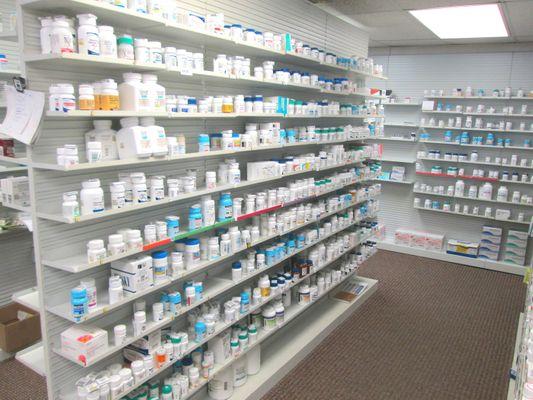 drug.shelves.lincoln.JPG