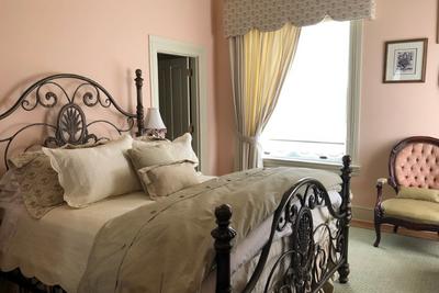 202 Dover Victorian Suite