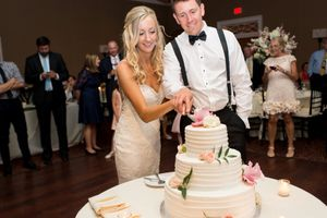 colleen and Greg-Cake Cutting-0002.jpg