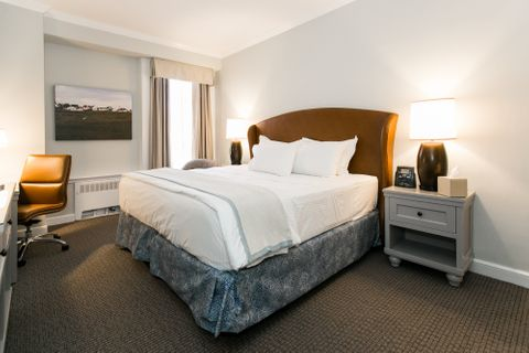 Premier King - Hotels In Easton MD