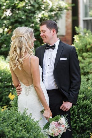 colleen and Greg-Wedding Sneak Peek-0014.jpg