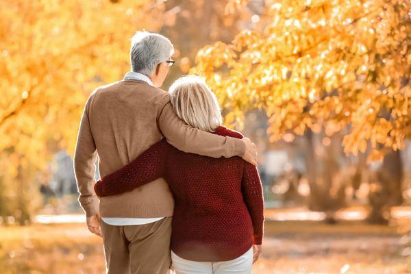older-couple-on-an-autumn-stroll.jpg