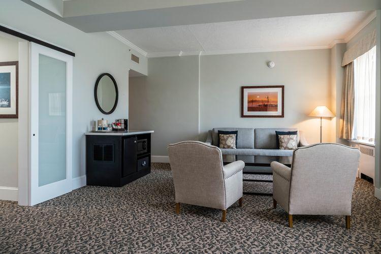 Tidewater Inn Premier Guest Room