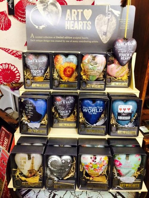 ART HEARTS Collection