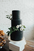BlackWeddingCake.jpg