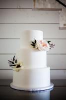 White Cake Modern Botanicals