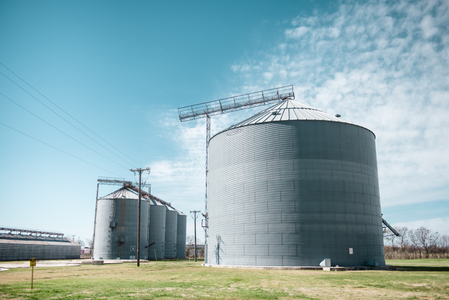 Farm Silo Wedding Photoshoot Ideas
