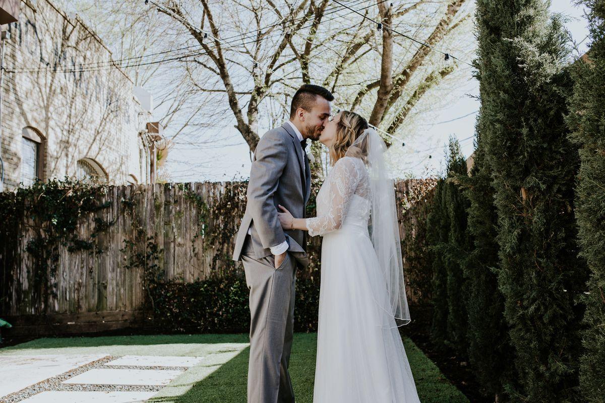 Rustic Backyard Wedding Idea