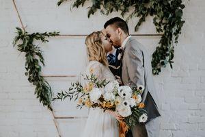 Modern-Wedding-Botanicals.jpg