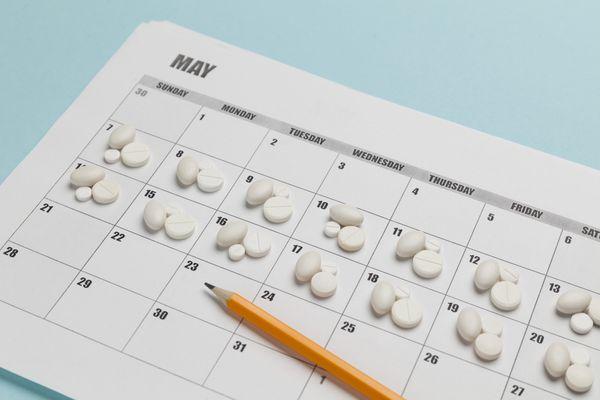 pill with calendar2.jpg