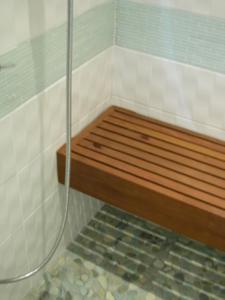 Burke shower.JPG