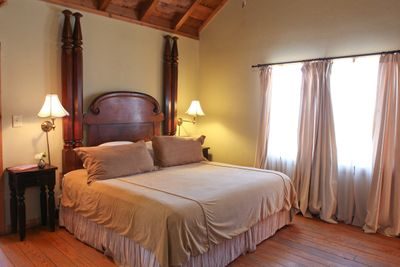 Alamo Bedroom.jpg