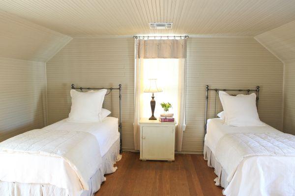Farmhouse Bedroom with Twins.jpg