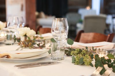 Photo Link to Weddings- Dining in Great Hall Up Close.jpg